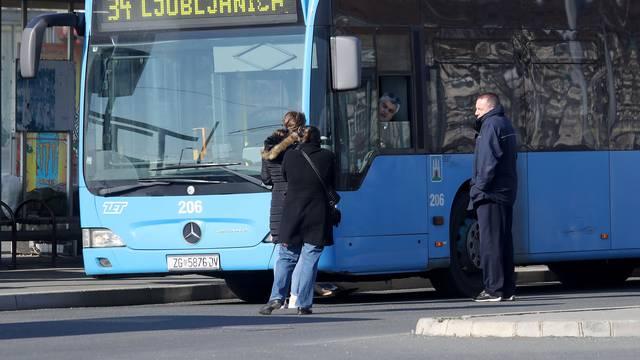 Zagreb: Prazno okretište u Dubcu, ZET-ove autobusne linije prometuju svakih sat vremena