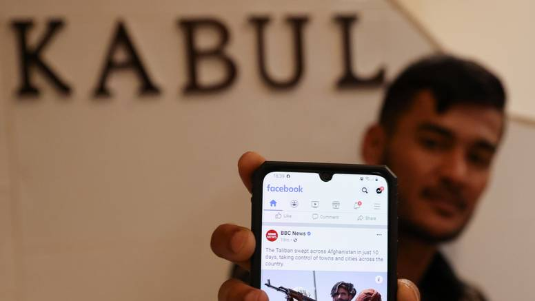 Iz Afganistana bježe i novinari zbog straha od odmazde