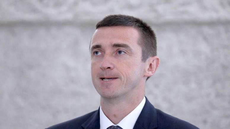 Penava: 'Ružno mi je vidjeti plakate e-Srbin. Zašto mi tome u Hrvatskoj moramo svjedočiti?'