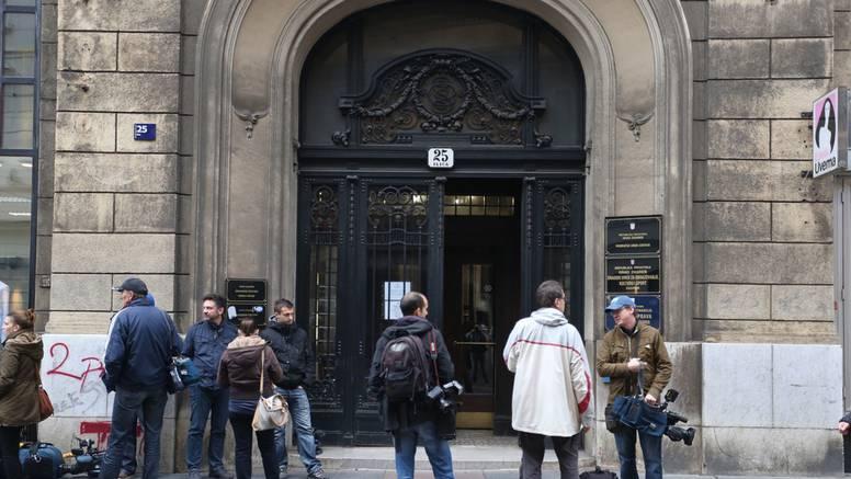 Komad fasade sa zgrade u Gundulićevoj pao dječaku na glavu: 'Lice mu je bilo krvavo'