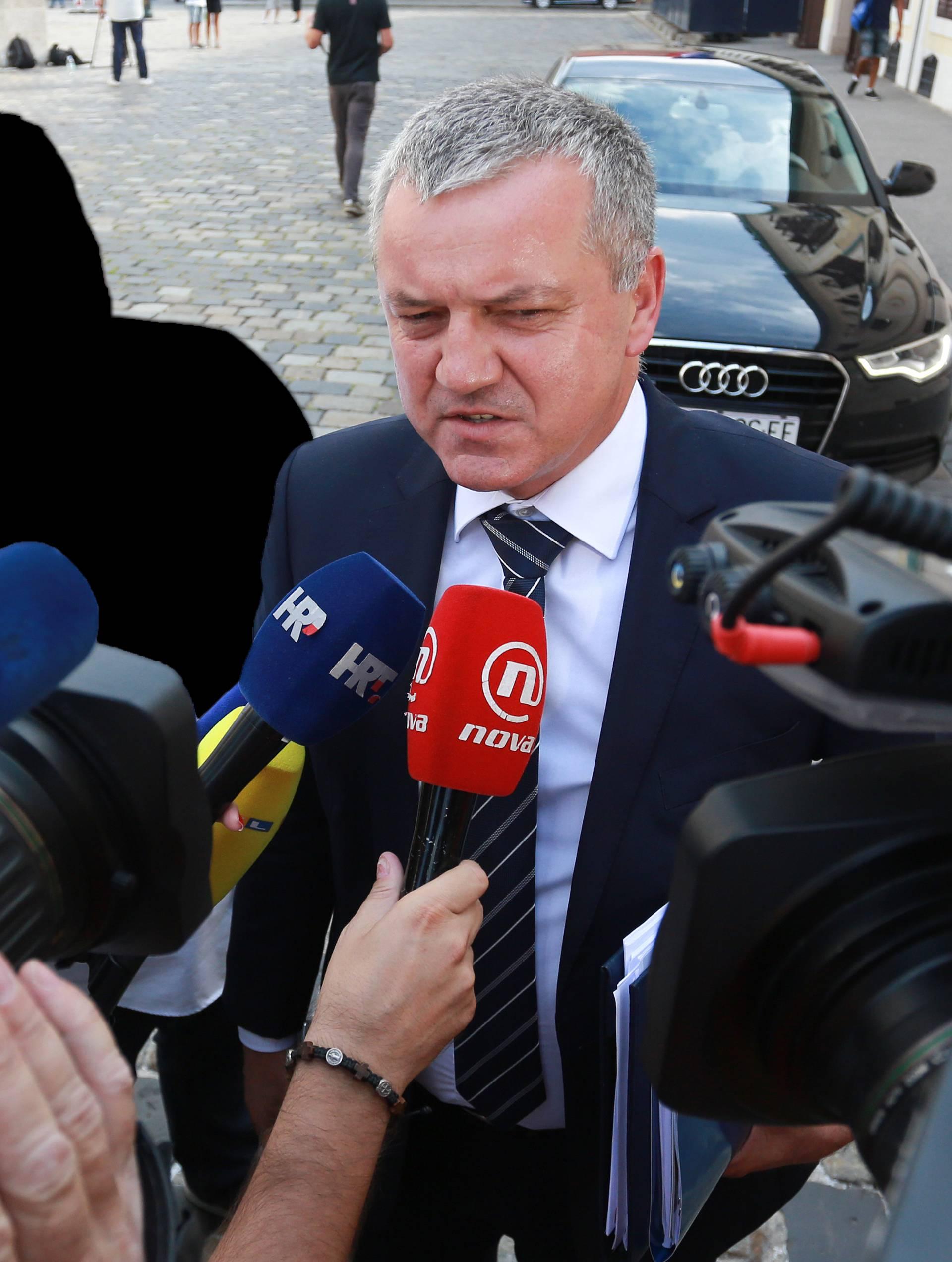 Ministar Horvat: Uplatu za Petrokemiju očekujem u srijedu