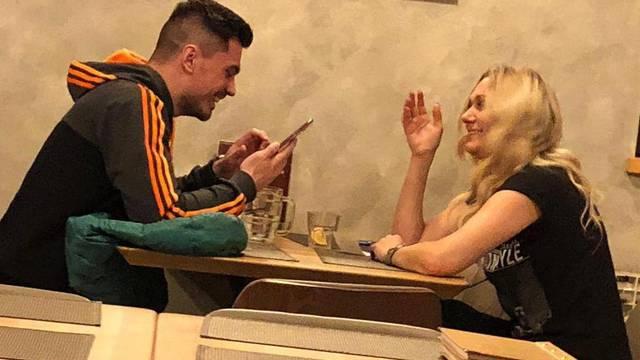 BB Luka Rok s plavušom na večeri: Već je zaboravio Anezi?