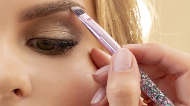 Olovka, sjenilo i kreme za obrve koriste se ovisno o teksturi i samom izgledu vaših dlačica