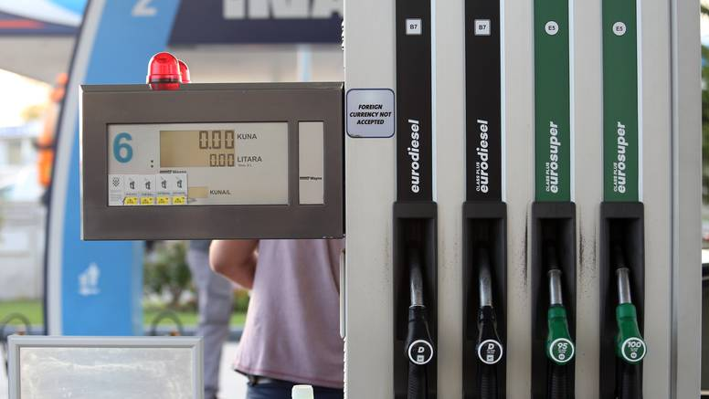 Padaju cijene goriva: Spremnik dizela jeftiniji za čak 12 kuna?