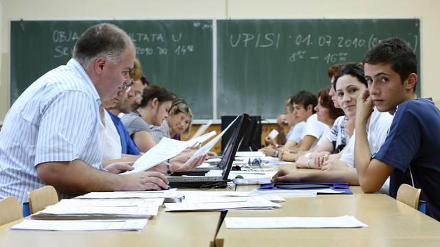 Upisi u srednju: Zbog previše odlikaša uvodimo prijemni ispit
