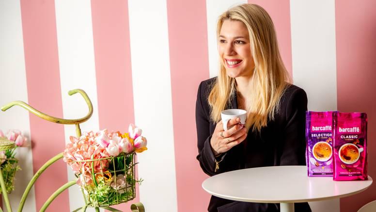 Kava i kolačI u savršenoj harmoniji by Tea Mamut