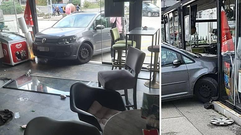 VIDEO U Dugom Selu autom je uletjela u kafić: 'Parkirala je'