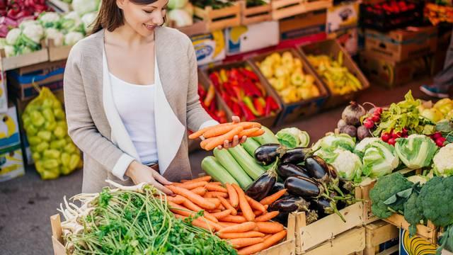 4 ključna vitamina i minerala koji ženama najčešće nedostaju