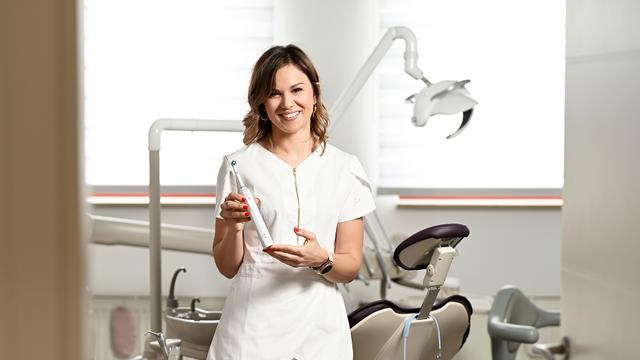 Inteligentna. Revolucionarna. Nova zubna četkica Oral-B