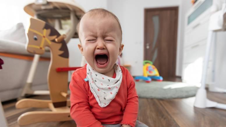 Bebe je ponekad dobro ostaviti da plaču: Uče se samokontroli