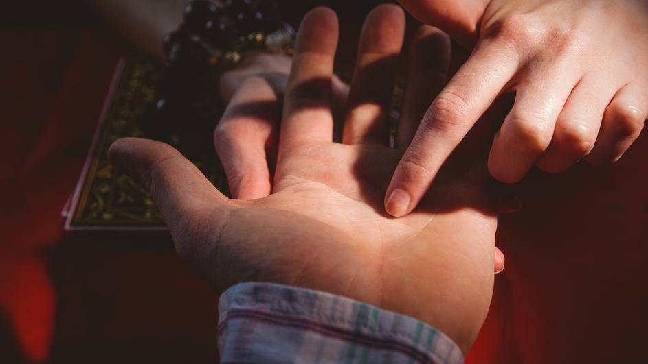 Kako čitati sudbinu iz dlana: Poznati vidovnjak je objasnio