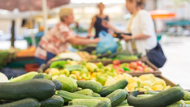 Posljednjih dana iz trgovina je povučeno niz artikala - trebaju li se kupci zbog toga zabrinuti?