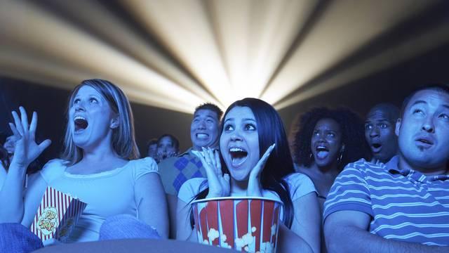 Svi streamaju: Hoće li nakon 125 godina korona dokrajčiti kino?