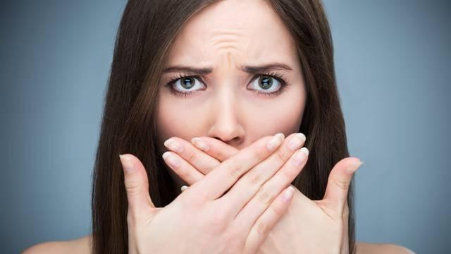 Stop neugodnom zadahu: Zube perite navečer, pijte više vode