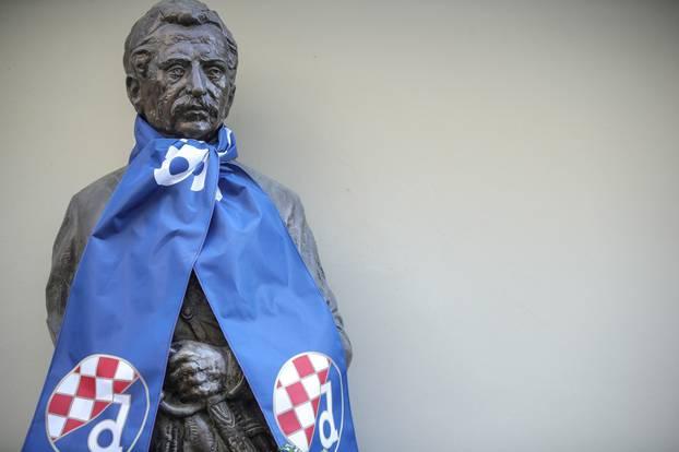 Zagreb: Ljudevit Gaj s Dinamovim šalom navija za današnji uspjeh Dinama
