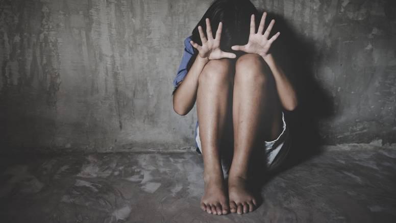 Skandalozno! Pedofilu koji je silovao pokćerku smanjili kaznu jer je bio u Domovinskom ratu