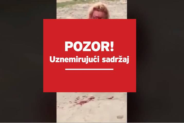Sjedila krvava na podu i molila za život: Brutalno je linčovali