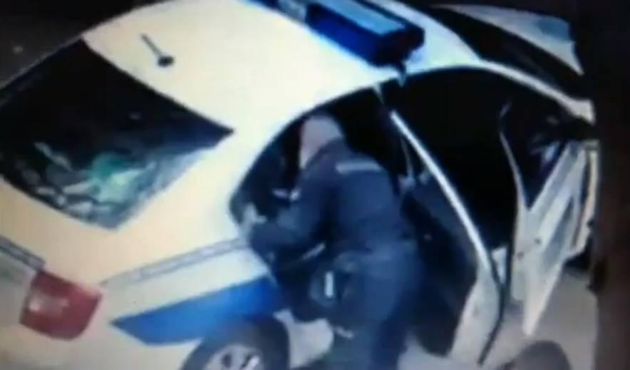 Video: Policajac u Srbiji mlati čovjeka zbog zabrane kretanja?