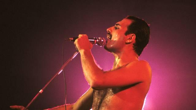 Queen live in London 1984