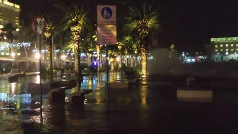 VIDEO Poplavljena splitska Riva