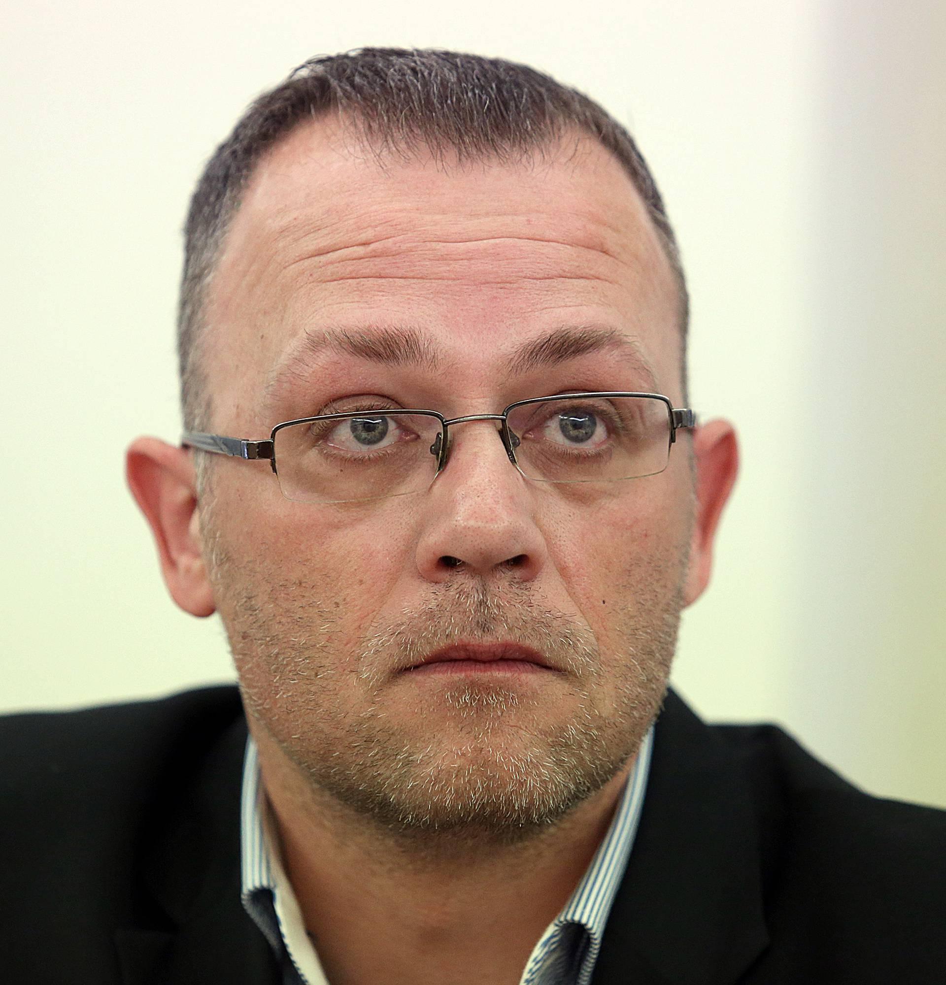 Oporbeni zastupnici zatražili interpelaciju o Hasanbegoviću