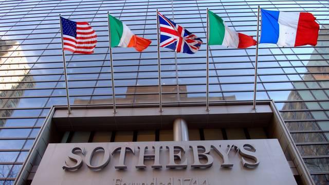NY: SothebyŐs Auction House sold
