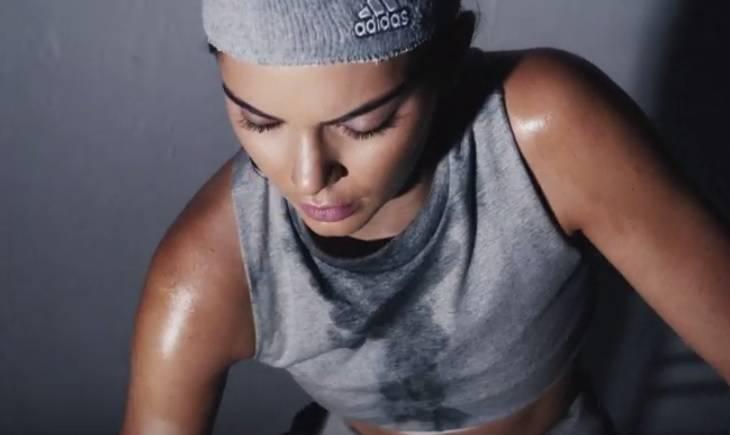 Kendall Jenner se za seksi odbrojavanje pošteno oznojila
