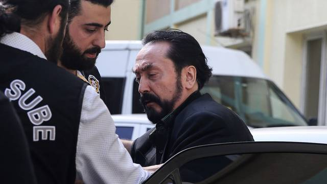Televizijskog propovjednika u Turskoj osudili na 1000 godina