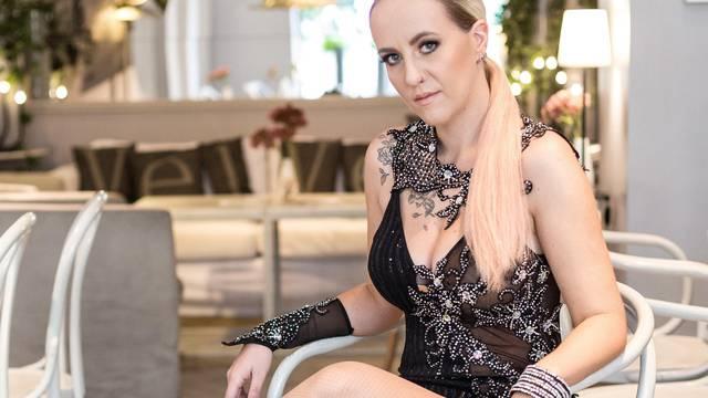Vodio ju instinkt: Nina Kraljić obradila pjesmu 'Što te nema'