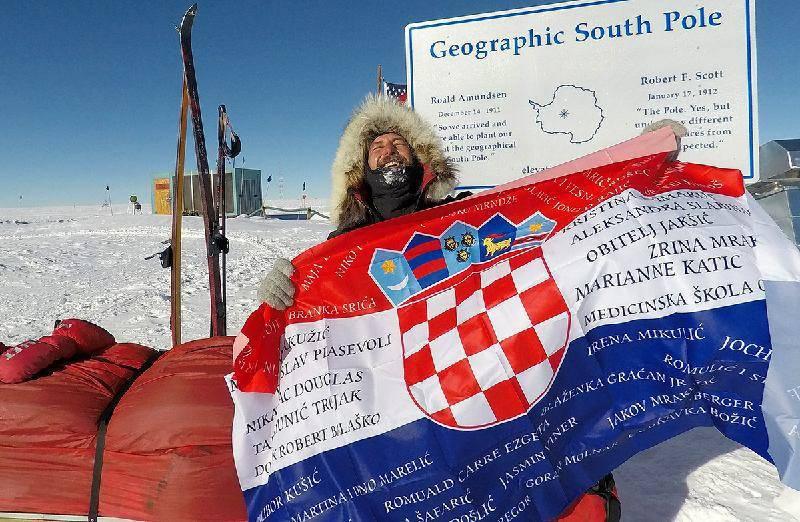 Rostuhar stigao na Južni pol nakon 47 dana pješačenja