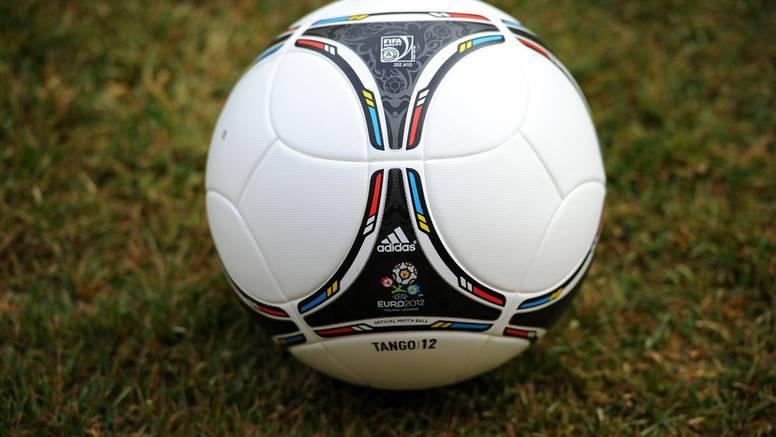 Tango 12 - lopta je s kojom će se igrati na Euru 2012. godine