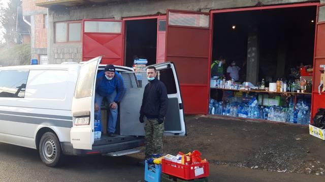 Marice im ne služe samo za prijevoz zatvorenika, njima dostavljaju pomoć na Baniju