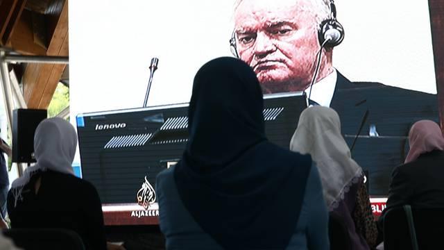 Potočari: Majke Srebrenice prate izricanje presude Ratku Mladiću