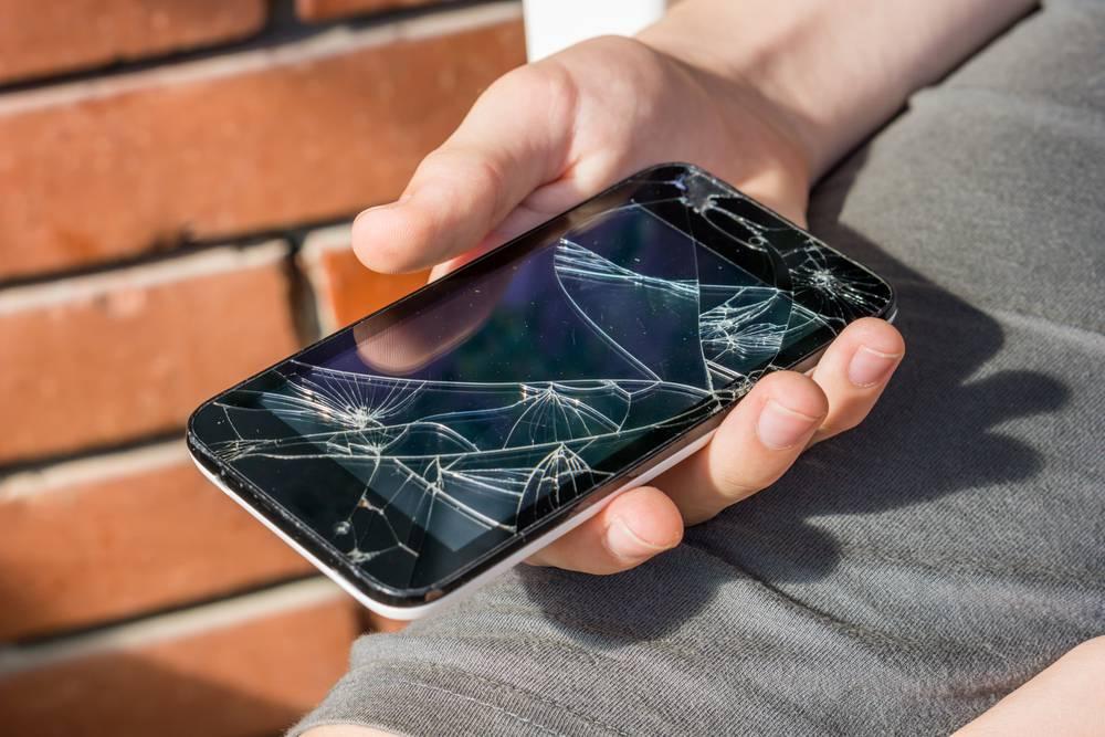 Fenomen Nokije 3310: Zašto se današnji mobiteli lako kvare?