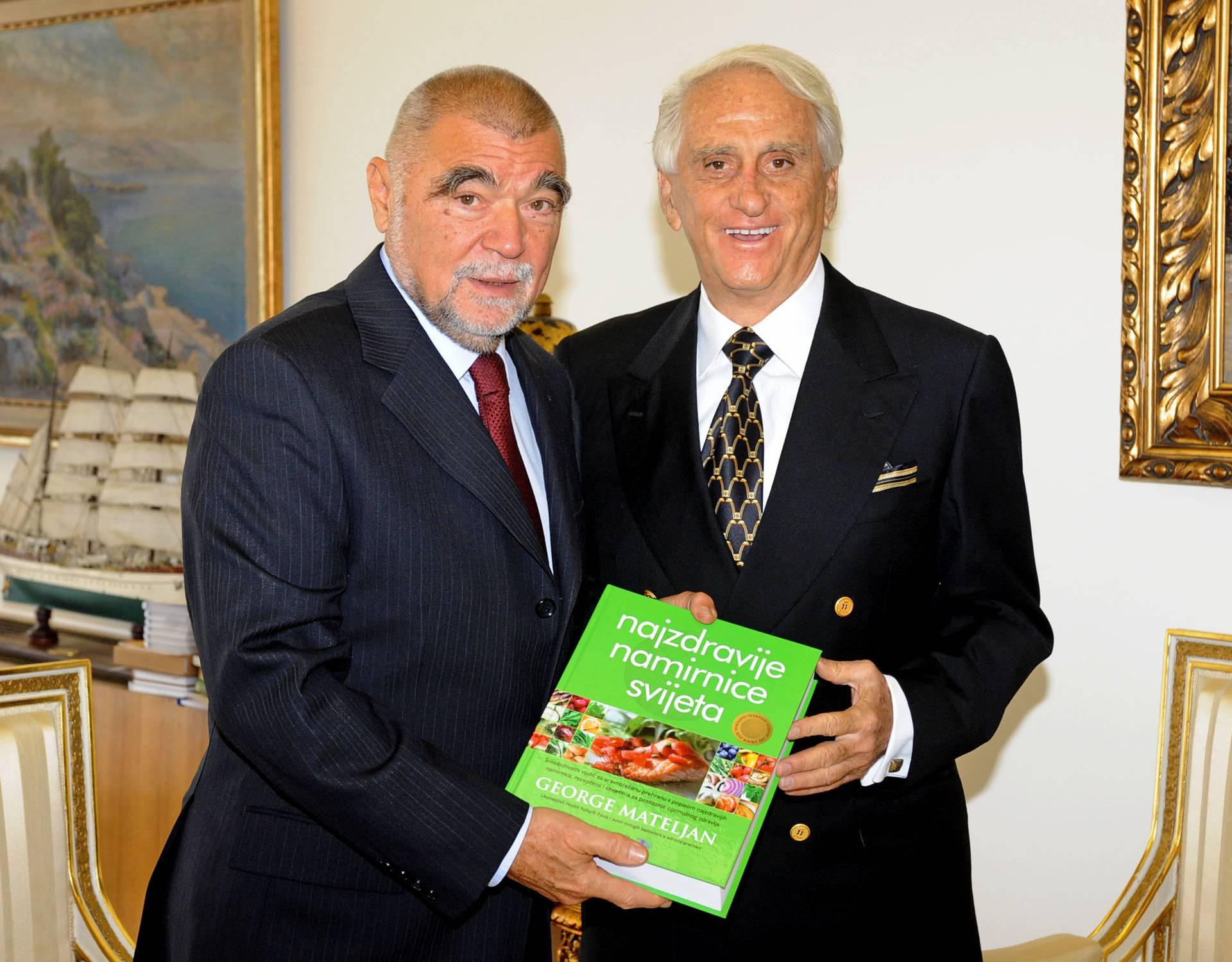 Splićanin izdao knjigu o 100 najzdravijih namirnica svijeta