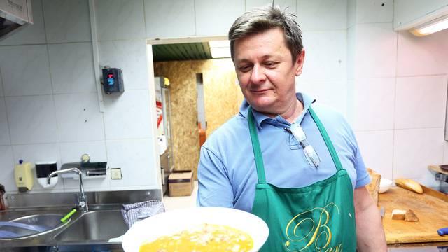 'Kotlić kod Draža' - prvi štand s kuhanom hranom na Dolcu