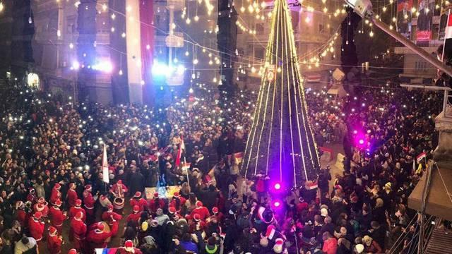 Ni eksplozija ih nije pokolebala: U Alepu počelo božićno slavlje