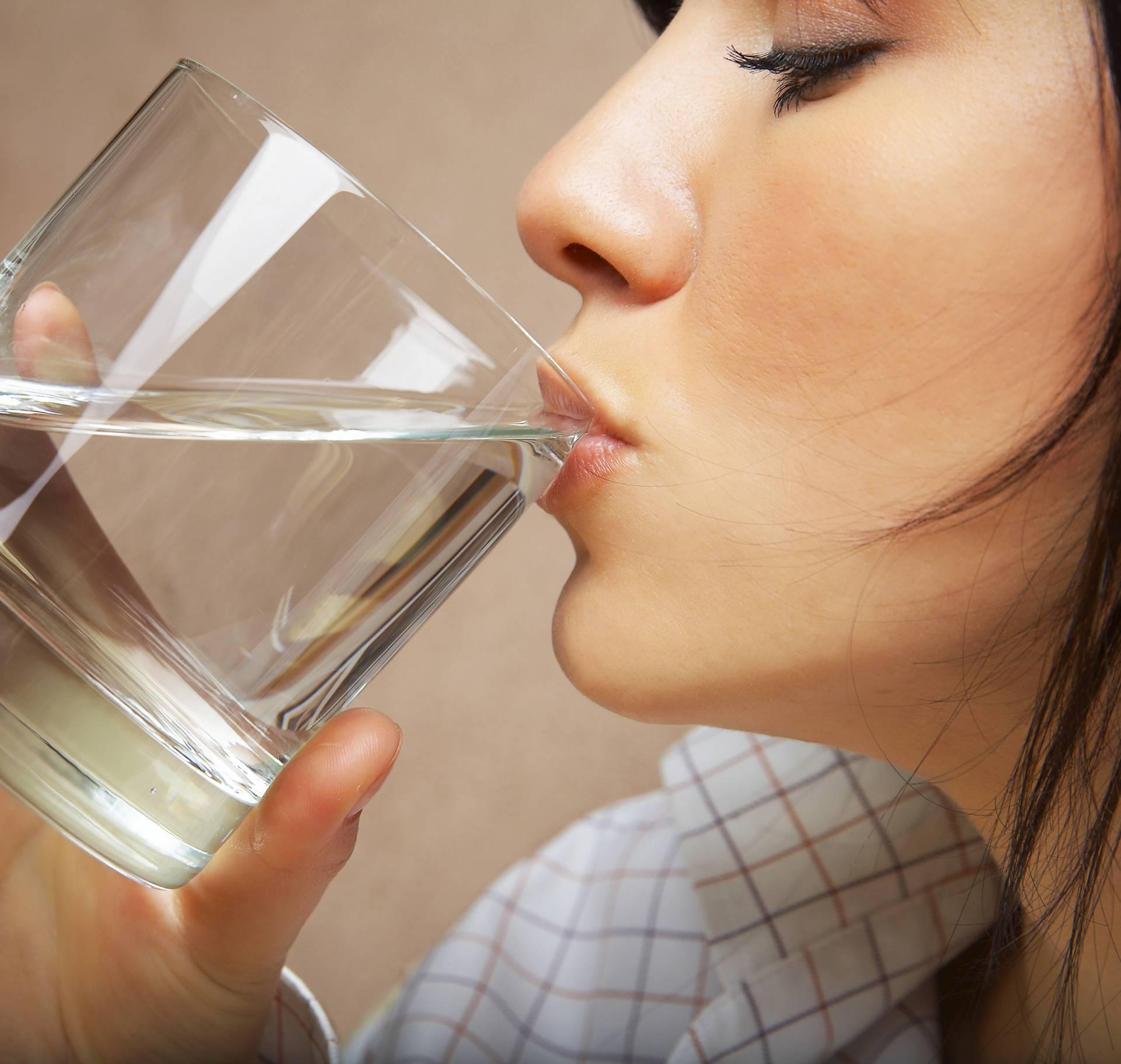 Kada je vodu dobro popiti, a kada to baš nije najpametnije?