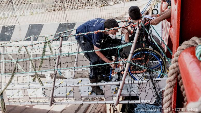 Brod Ocean Viking spasio 196 migranata: Plutali su u čamcu u međunarodnim vodama Libije