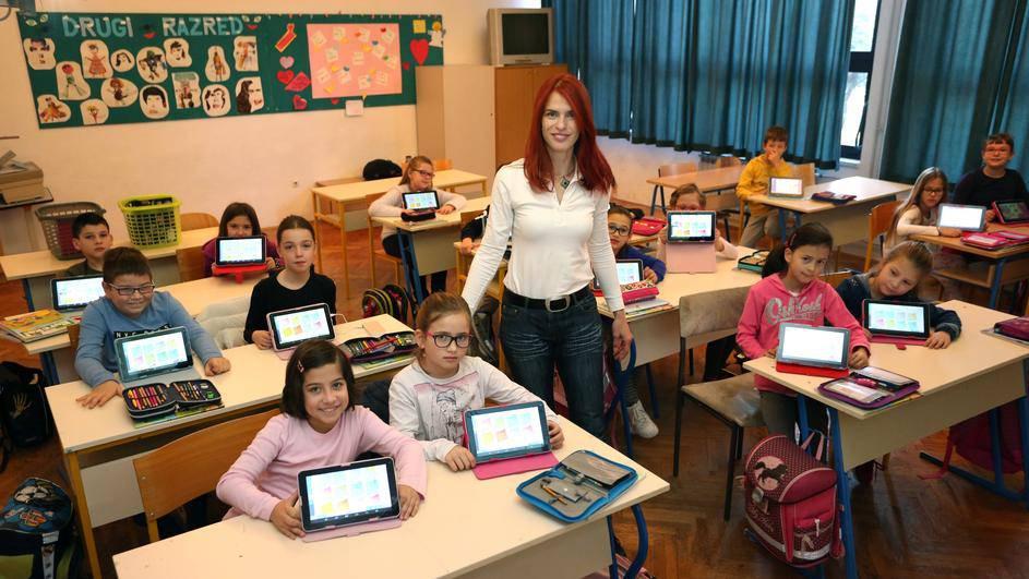 Matematika i vježbanje đacima  su zabavniji  uz QR kod i tablet