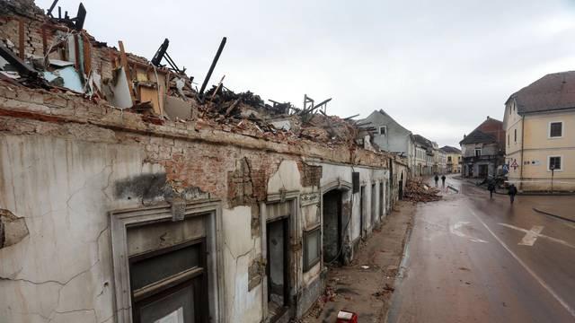 Petrinja: Razrušen centar grada