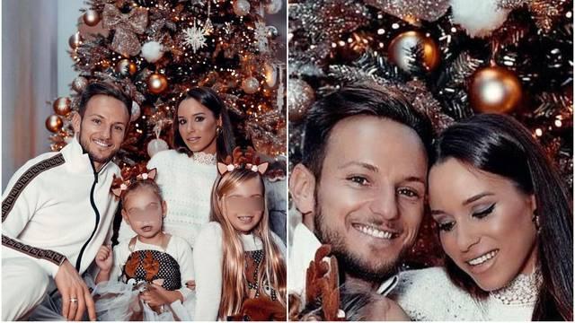 Rakitići pozirali za Božić, pljušte komentari: Kćeri su našminkane