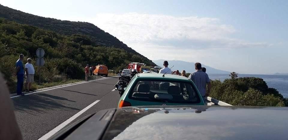 Troje poginulih u sudaru dva auta na Jadranskoj magistrali