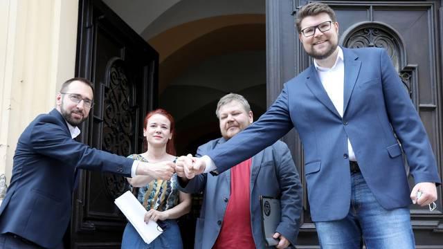 Zagreb: Tomašević i Grbin predstavili sporazum o suradnji u Gradskoj skupštini