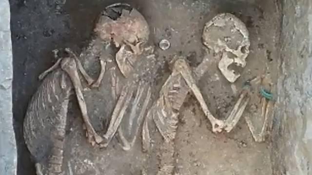 'Romeo i Julija' 5000 godina spavaju u 'vječnom zagrljaju'