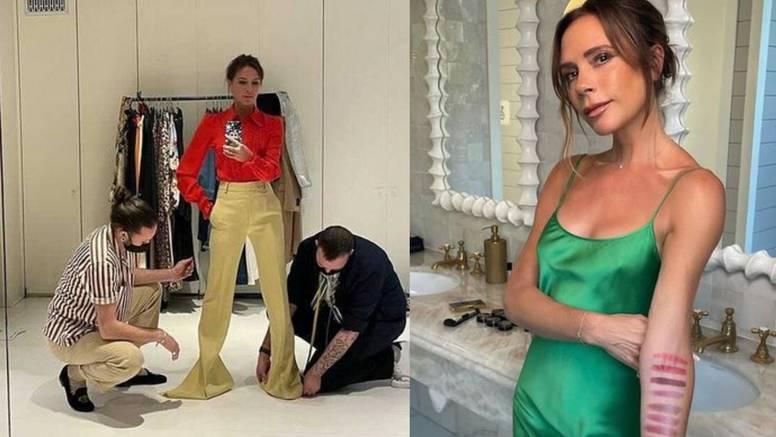 Baš je chic: Victoria Beckham kombinira klasiku i jarke tonove