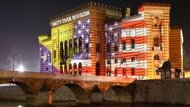 Sarajevska Vijećnica večeras osvijetljena u čast Joe Bidena
