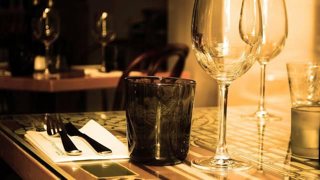 Čaše prema vinu: Chardonnay treba poslužiti u širokoj čaši