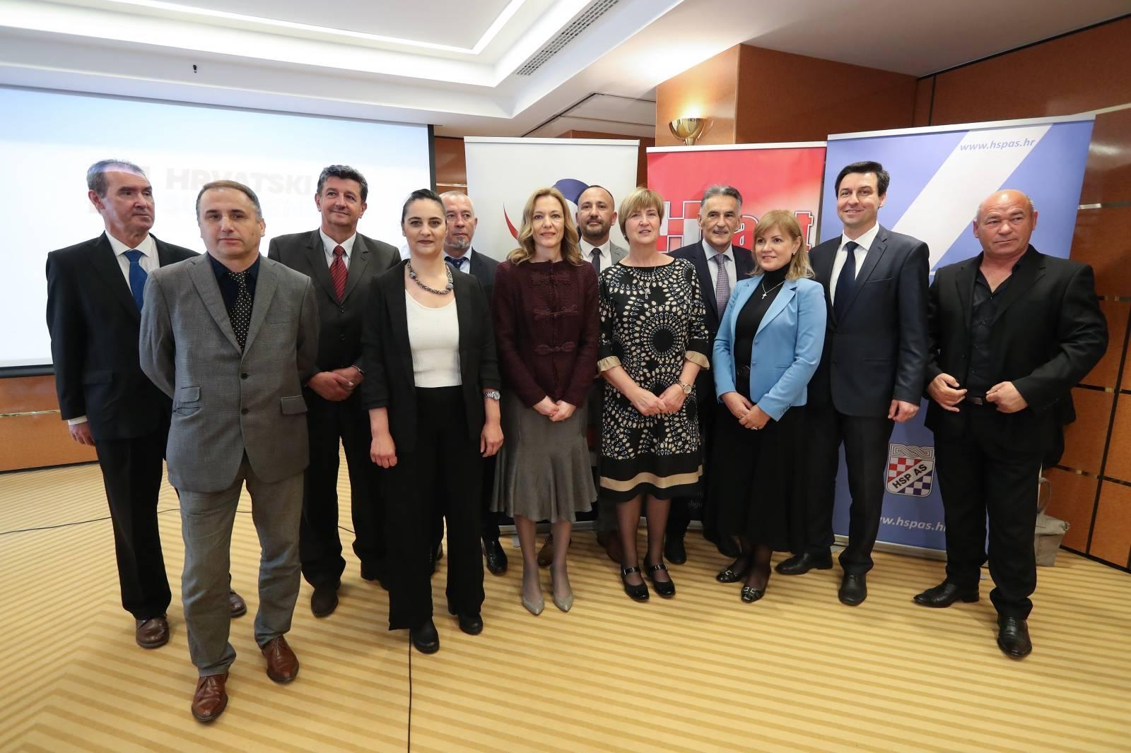 Zagreb: Udružena  Hrvatska desnica predstavila listu kandidata za Europski parlament