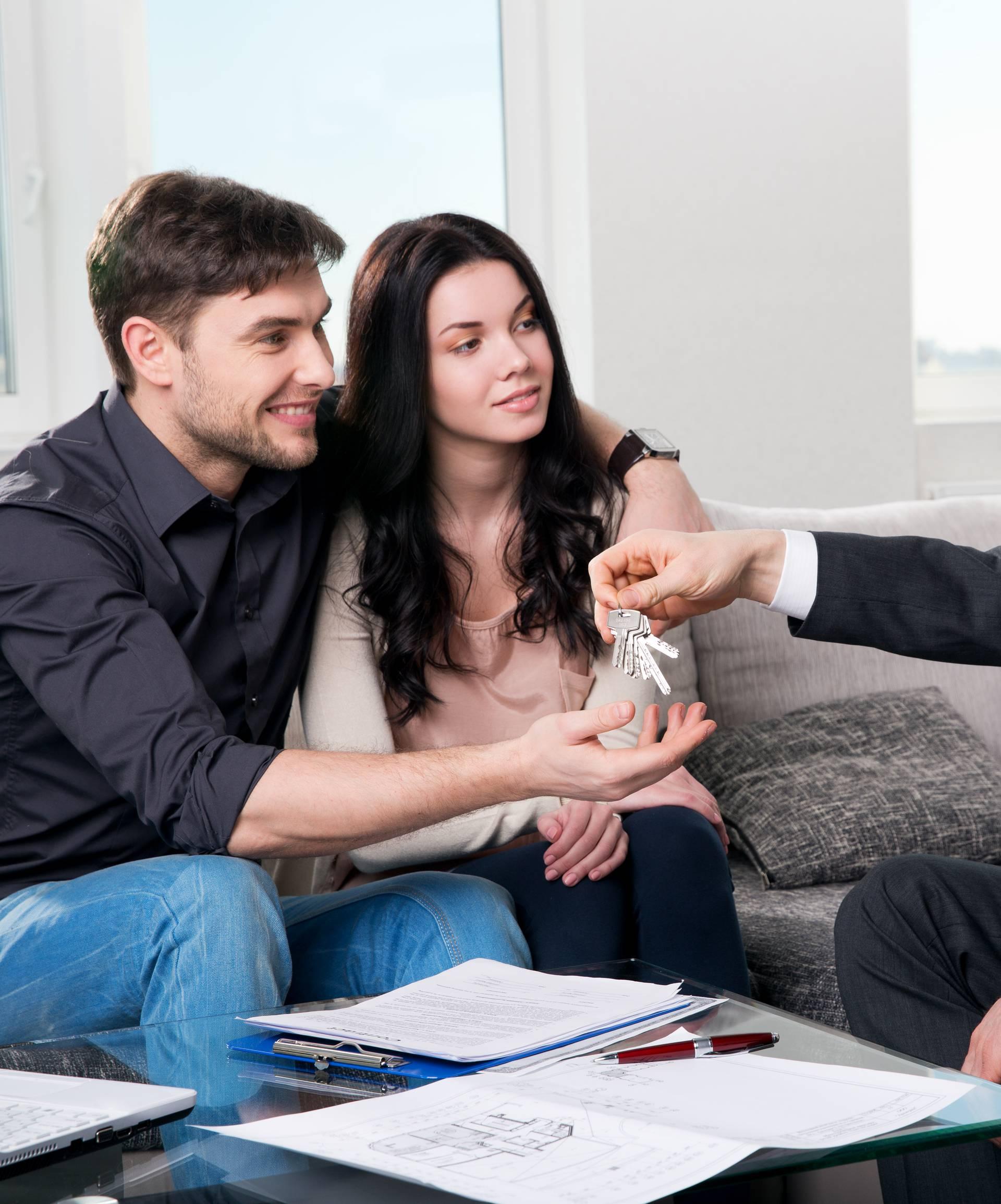 Rastu krediti, a kamate najviše padaju kod stambenih kredita